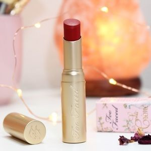 Too Faced La Crème Lipstick in '9021Ohhh'